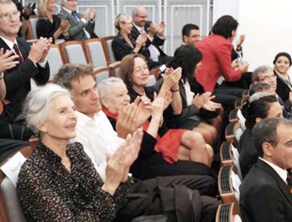 publikum-applaus-arabischer-abend-stiftung-eierstockkrebs